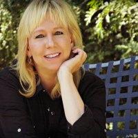 About The Author - Leslie Macchiarella