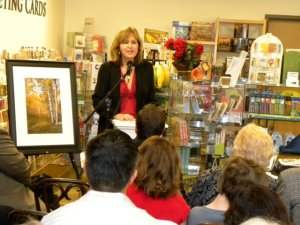 Christine Murphy discusses her photographs at book signing for While Wandering Photo by John Albritton