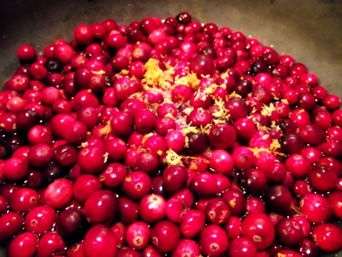 Close up of cranberries boiling in the pot no gelatin