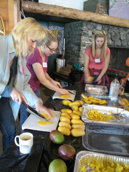 Cutting mangos with the mango board at Camp Blogaway