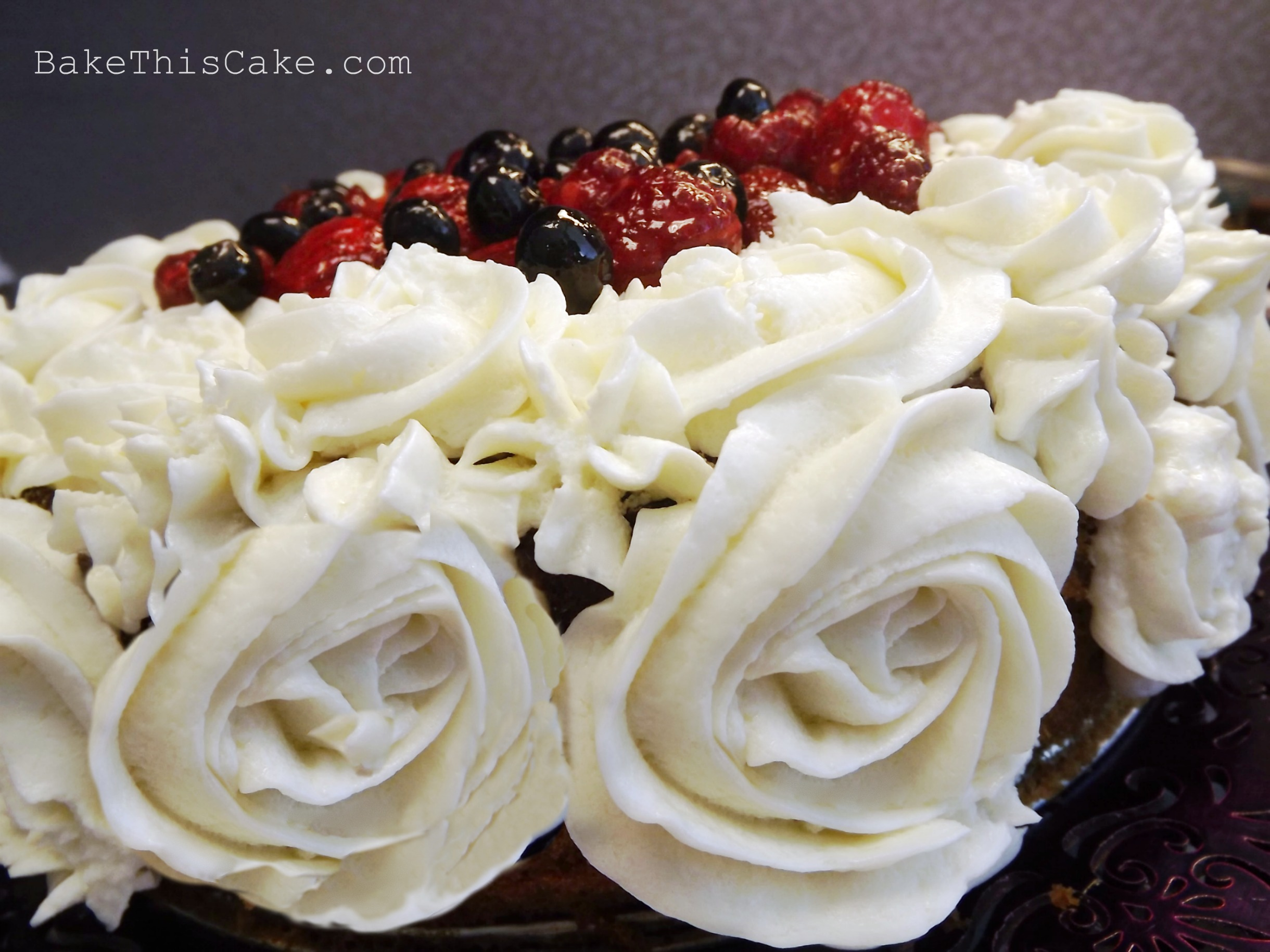 Cake With Icing Sugar Recipe : Rose Swirls of Old-Fashioned Heirloom Vanilla Custard ...