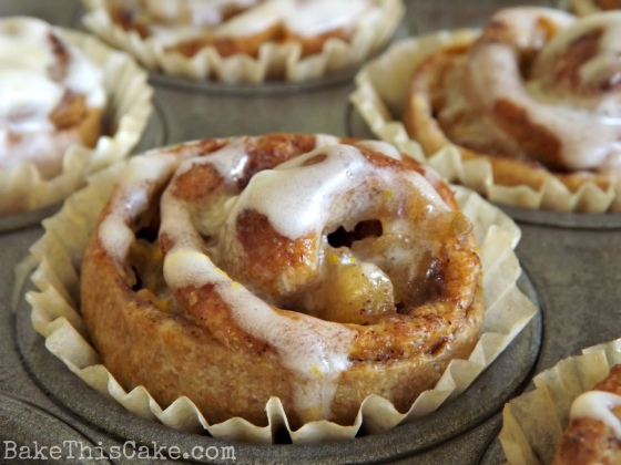 Apple Cinnamon Muffin by BakeThisCake
