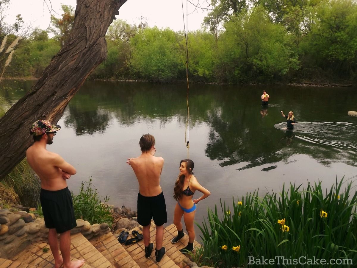 Kids on the river at the river house in Snelling bakethiscake