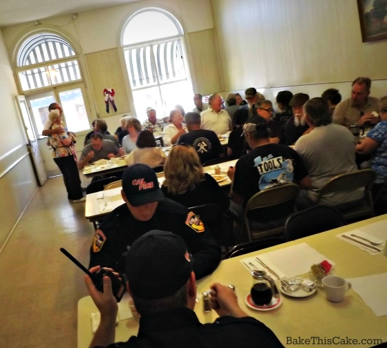 Visitors Seating for Snelling Community Breakfast photo by Bake This Cake