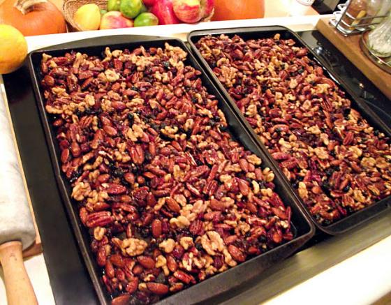 Holiday roasted nut mix by bakethiscake