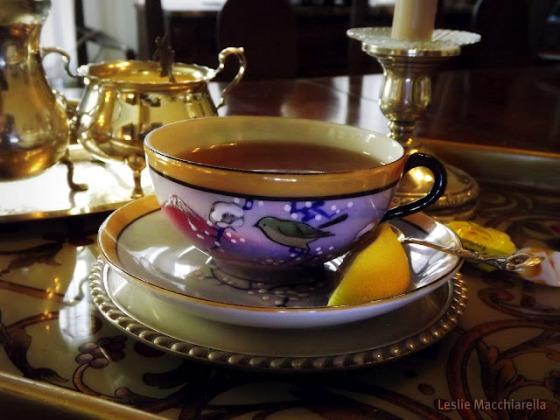 pretty vintage tea cup photo by Leslie Macchiarella for bakethiscake